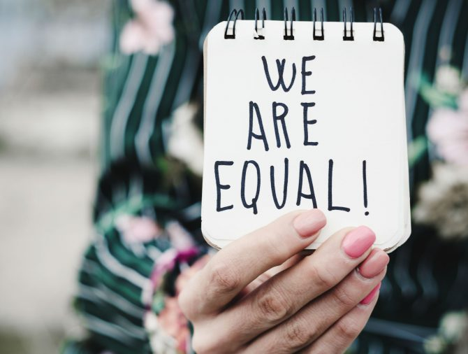 Como combater a desigualdade de gênero?